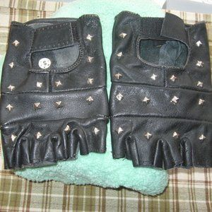 NEW LEATHER GLOVES  SIZE SMALL